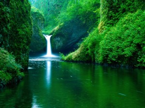 21. Punch Bowl Falls Oregon